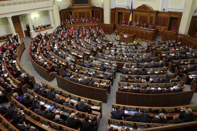 ВР підтримала Президентський законопроект щодо закріплення у Конституції курсу на ЄС і НАТО